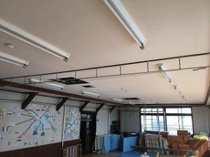 幼稚園、内部塗装 (2)