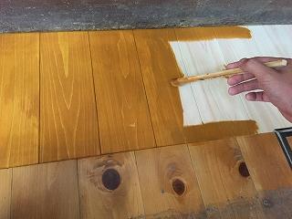 中の木部、塗装